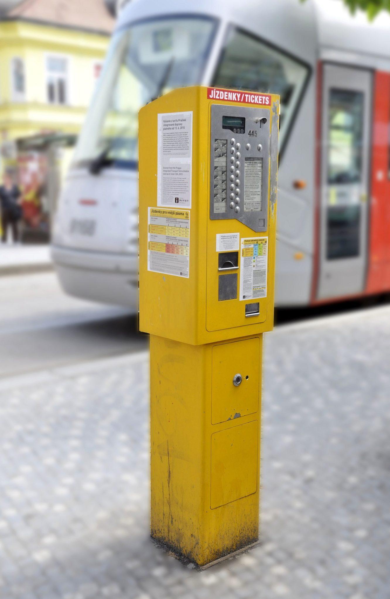 Public transport ticket machine